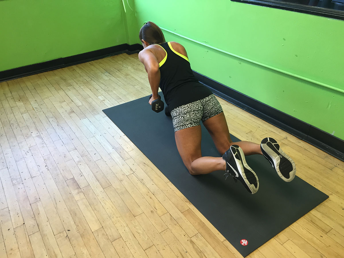 Modified-Dumbbell-Plank-Row_1200